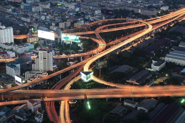 Via expressa de bangkok e rodovia vista superior, tailândia