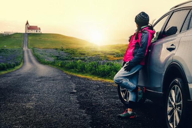 Viagem de férias viagem de carro na islândia.