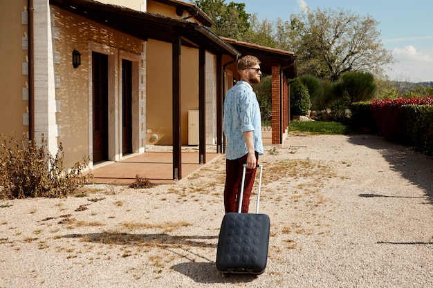 Viagens, turismo e aventura.