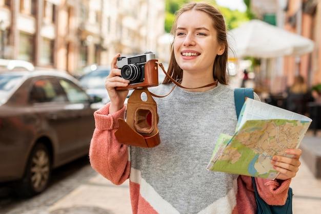 Viajando pela cidade e tirando fotos