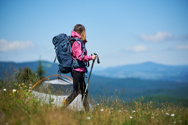 Viajante com mochila