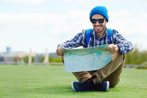 Viajante no gramado