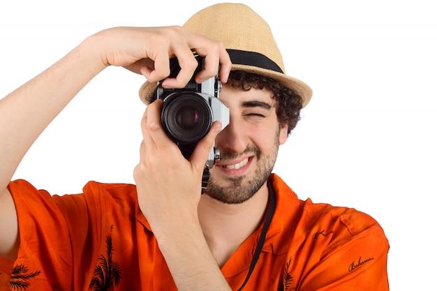Viajante tirando fotos.