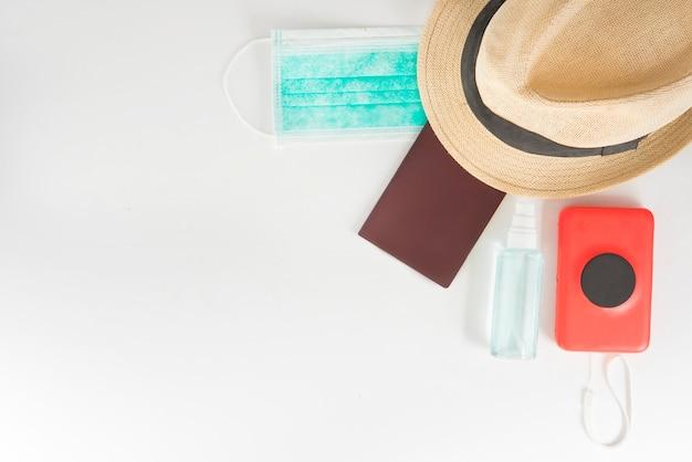 Viaje com máscara covid e desinfecção