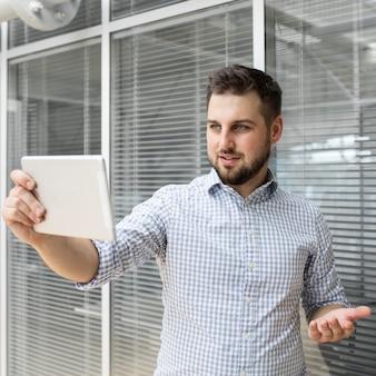 Videoconferência de empresário