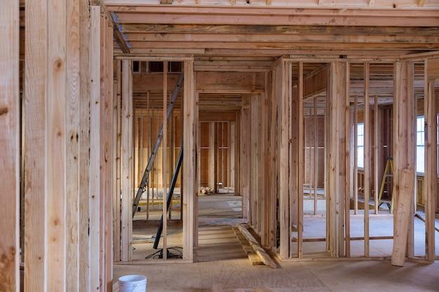Viga de enquadramento da nova casa em construção.