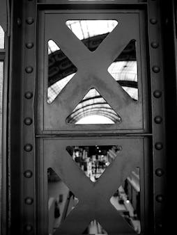Vigas de aço do interior do musée d'orsay