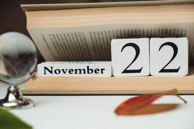 Vigésimo segundo dia do calendário do mês de outono de novembro.