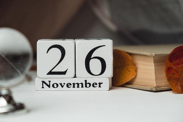 Vigésimo sexto dia do mês de outono calendário de novembro.