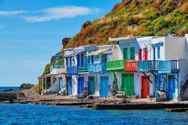 Vila de pescadores grega klima na ilha de milos na grécia
