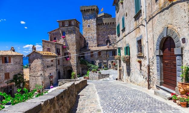 Vila e castelo de bolsena, belo bairro medieval na itália