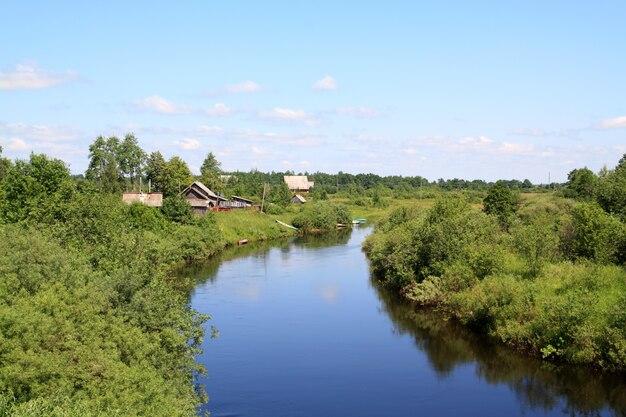 Vila no rio costa