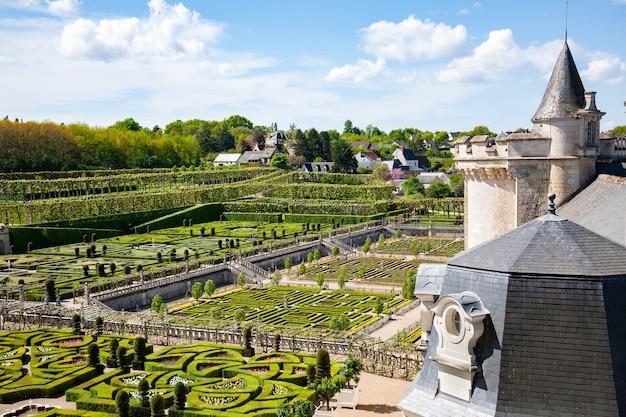Villandry frança 20 de abril de 2014 castelo e jardins de villandry parte do castelo e do jardim