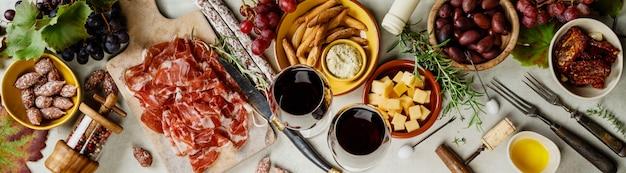 Vinho e tapas, vista superior