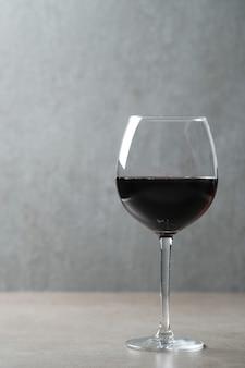 Vinho tinto em taça Foto gratuita