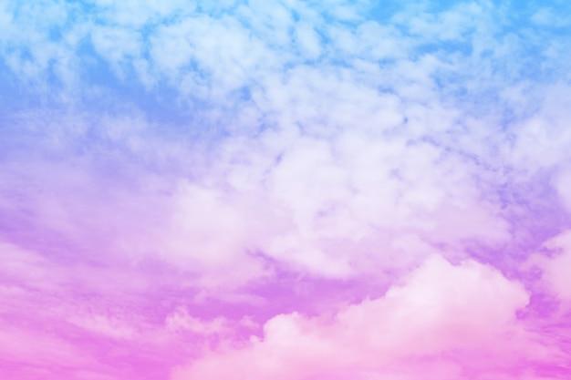Vintage bonito do sumário colorido da nuvem e do céu para o fundo, a cor macia e a cor pastel