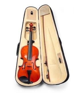 Violino clássico e arco isolado no branco