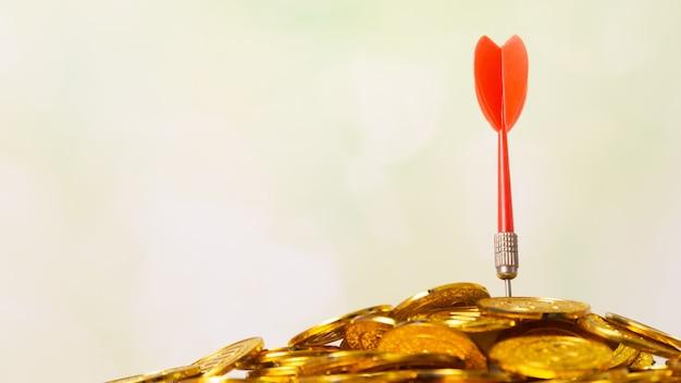 Visando o conceito de negócio, quadro de dardos close-up