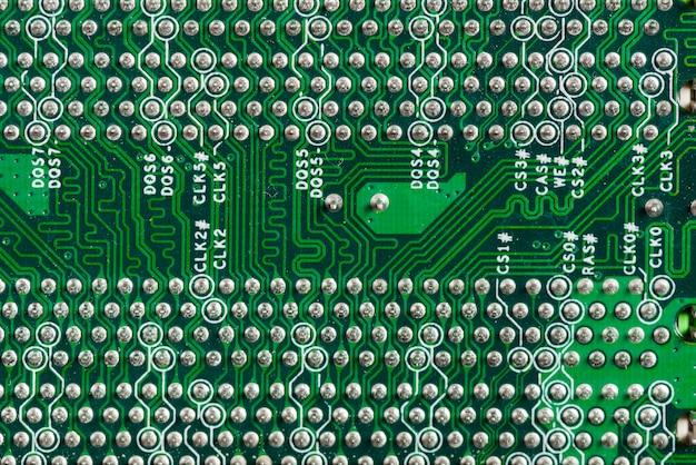 Visão detalhada de uma placa de circuito de computador