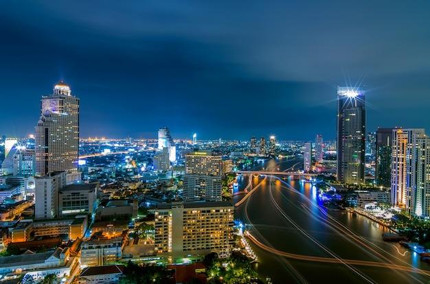 Visão noturna de bangkok