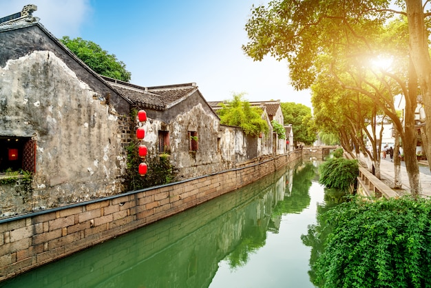 Visão noturna de cidade antiga de suzhou