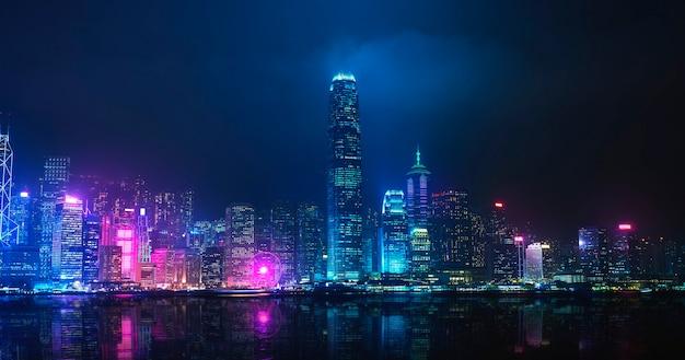 Visão noturna do victoria harbour, hong kong