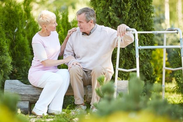 Visitando o marido em recuperação