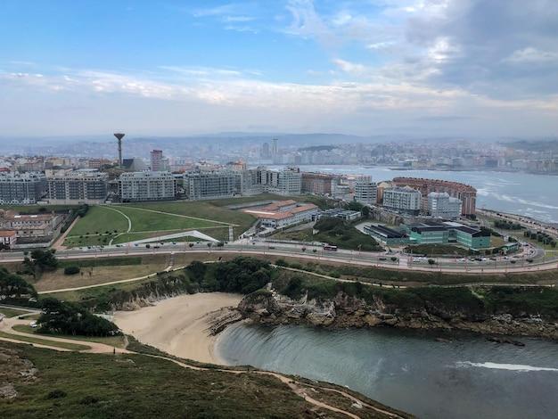 Vista aérea da cidade de la coruña