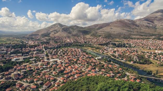 Vista aérea da cidade de trebinje