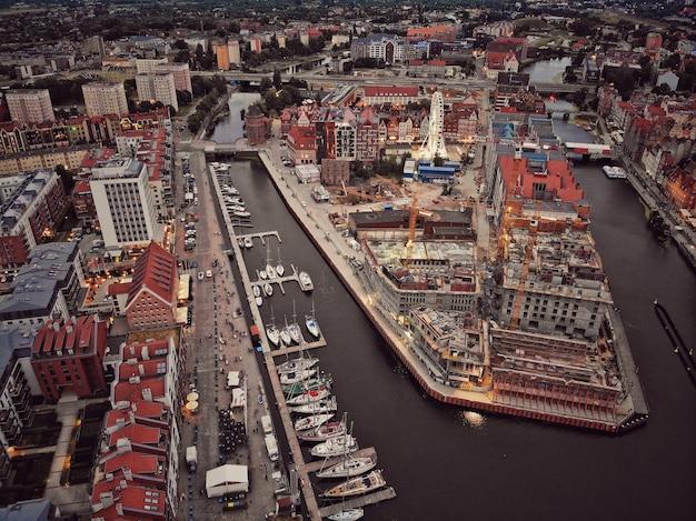 Vista aérea da cidade velha em gdansk, polônia
