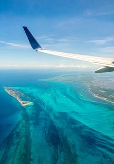Vista aérea da costa do caribe