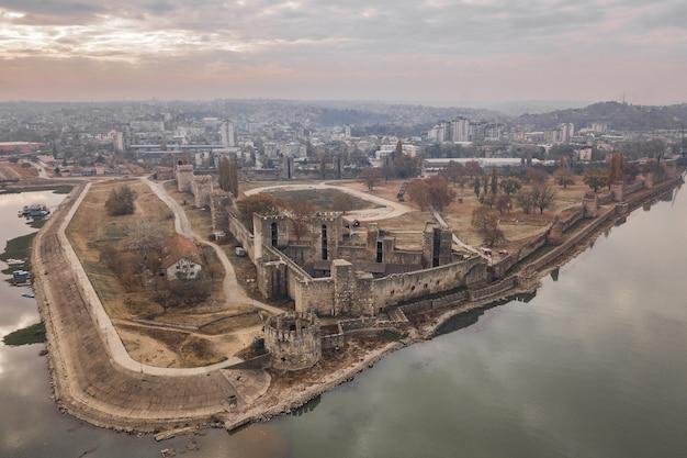 Vista aérea da fortaleza de smederevo na sérvia