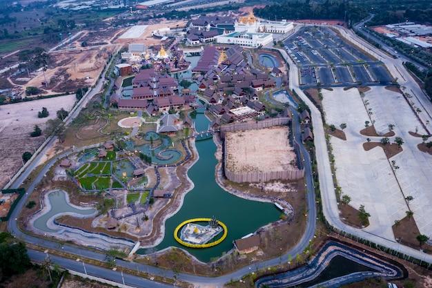 Vista aérea da lenda siam é um parque de cultura tradicional tailandesa localizado em pattaya da tailândia.