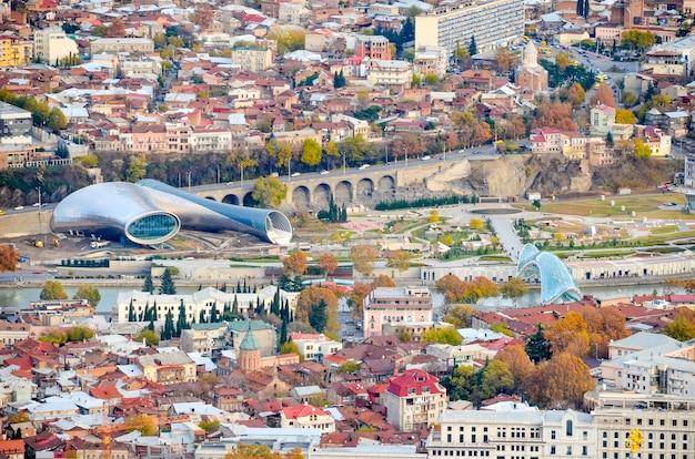 Vista aérea da praça europeia de tbilisi