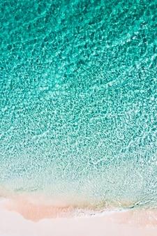 Vista aérea da praia em boulder island, myanmar