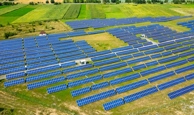 Vista aérea da usina de energia solar