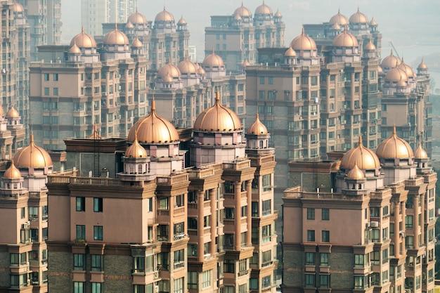 Vista aérea, de, a, distrito, em, shanghai, com, cúpulas, em, arranha-céus, edifícios
