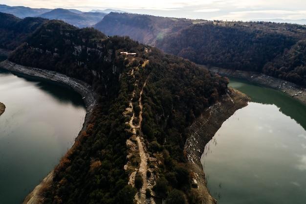 Vista aérea, de, a, montanha, e, rio