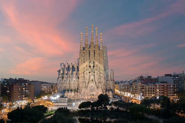 Vista aérea, de, a, sagrada familia, um, grande, igreja católica romana, em, barcelona, espanha