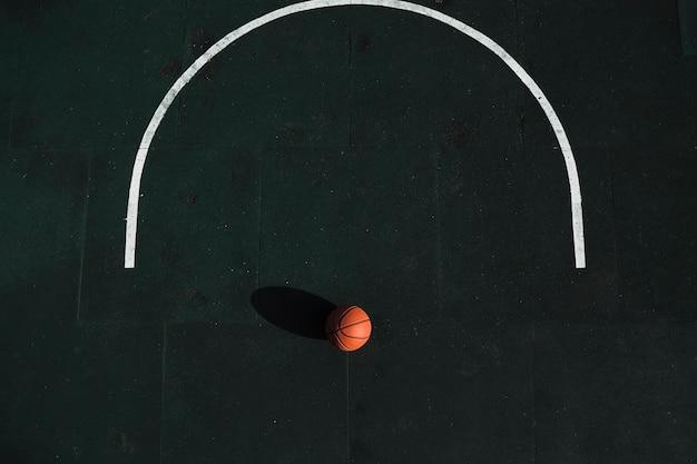 Vista aérea de basquete na quadra