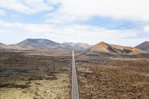 Vista aérea de estrada reta