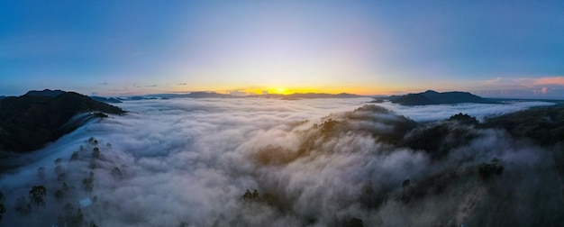 Vista aérea de khao khai nui phang nga, tailândia