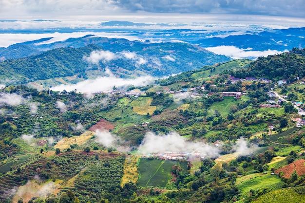 Vista aérea de mae salong, província de chiang rai, norte da tailândia