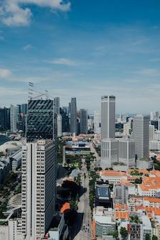 Vista aérea, de, modernos, cityscape, com, ascensão elevada