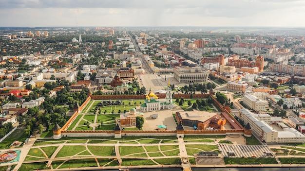 Vista aérea de tula e sua famosa atração tula kremlin