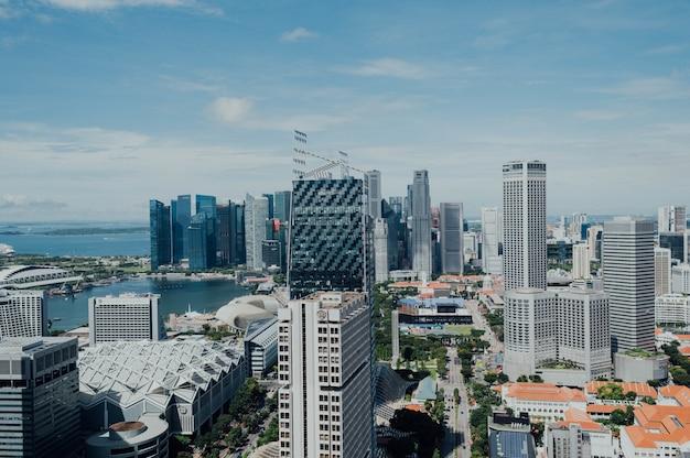 Vista aérea, de, um, cidade negócio