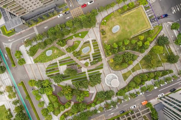 Vista aérea de um parque na cidade