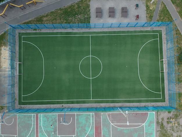 Vista aérea de uma quadra de futebol