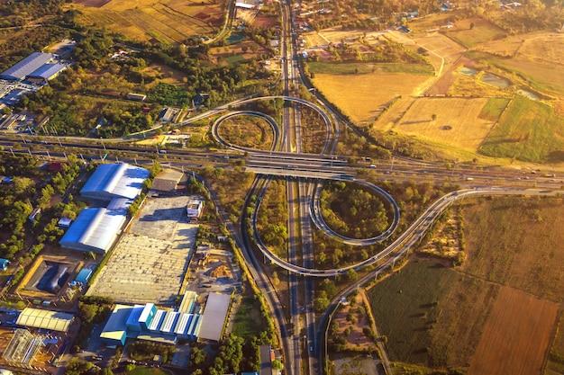 Vista aérea, de, zangão, de, via expressa, estrada, multi lentes, mittraphap, estrada, nakhon ratchasima, tailandia