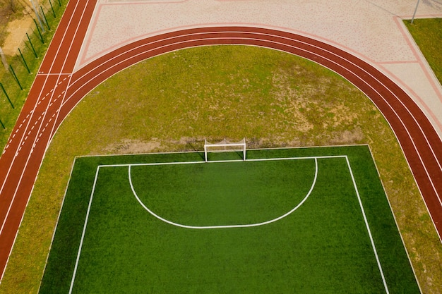 Vista aérea do campo de futebol.